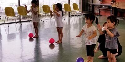 幼児でも新体操が習えます